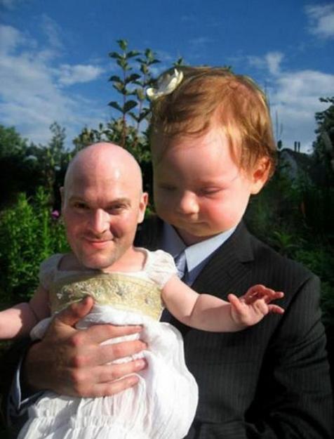 【電車内閲覧注意】フェイス・スワップ(顔交換)の画像がいずれも想像を超える【20枚】_父、息子
